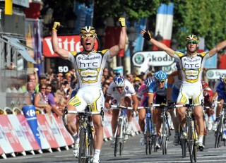 Mark Cavendish wins Stage 21 of the 2009 Tour de France