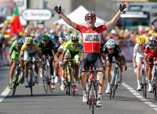 Tony Gallopin Won Stage 11 with Amazing Luck