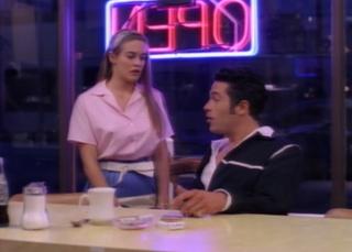 Roslyn tells Joey that it's over