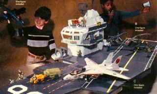 1985 GI Joe USS FLAGG Aircraft Carrier Playset