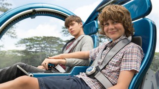 Zach and Gray in Jurassic World's Gyrosphere