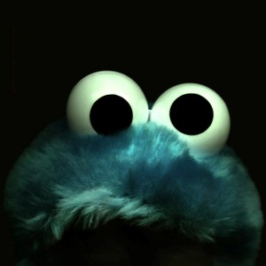 Cookie Monster read on in horror